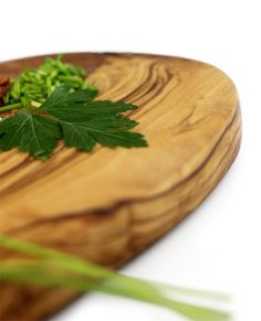 Servierplatte aus Olivenholz 30 cm | treevoli