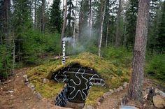 natural home Bushcraft Gear, Bushcraft Camping, Camping Survival, Survival Tips, Survival Skills, Survival Shelter, Wilderness Survival, Underground Homes, Underground Shelter