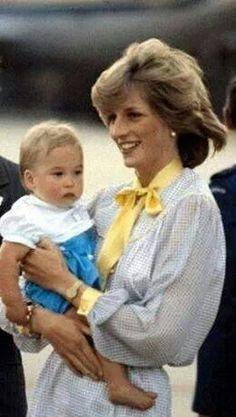 1983 April 16, Princess Diana and William at the Tullamarine Airport, Melbourne, Australia