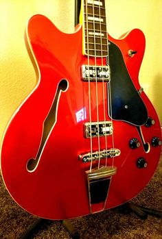 Fender Coronado Bass Candy Apple Red Semi-Hollow Electric Bass