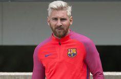 Ini Alasan Messi Mengubah Rambut Menjadi Pirang : Kegagalan Messi di final Copa America yang juga ditandai ketidakmampuannya menjadi algojo di drama adu penalti adalah kekalahan ketiganya secara beruntun