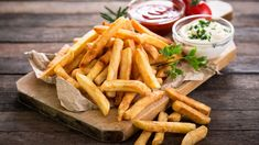 The Ying to my Yang, the fries to my burger! You can't live without these delightful fries. Rose Bakery, Best French Fries, My Burger, Vegetarian Bake, Western Diet, Richard Gere, World Recipes, Secret Recipe, Fried Potatoes