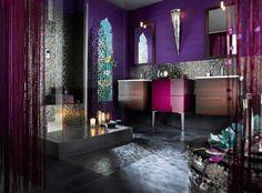 Stoff-Tapeten in gesättigtem Lila-majestätische Bad-Fenster mit marokkanischen Dekorationen