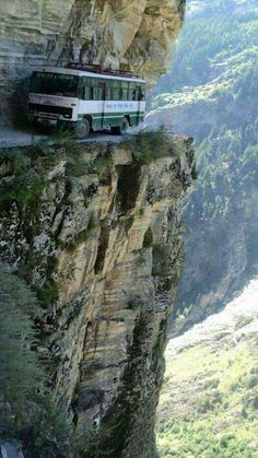 Pictures of some of the most dangerous roads in the world. Places To Travel, Places To See, Places Around The World, Around The Worlds, Cool Pictures, Cool Photos, Unbelievable Pictures, Random Pictures, Amazing Photos