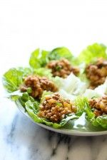 All it takes is twenty minutes, and you can be enjoying PF Chang's chicken lettuce wraps in the comfort of your own home. You will absolutely love how this Copycat PF Chang's Lettuce Wraps Recipe tastes even better than the original. Clean Eating, Healthy Eating, Asian Recipes, Healthy Recipes, Chinese Recipes, Quick Recipes, Healthy Meals, Yummy Recipes, Chicken Lettuce Wraps