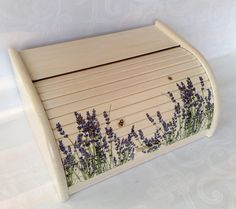 Decoupage, Bread Boxes, Upcycled Furniture, Annie Sloan, Diy And Crafts, Facebook, Handmade, Home Decor, Bread Holder
