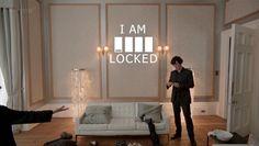 Интерьер в сериале Шерлок  Вышедший в 2010 году сериал Шерлок завоевал множество поклонников по всему миру. Оригинальное произведение Конан Дойля было творчески переосмыслено режиссером, сюжет был мастерски интегрирован в современные реалии.