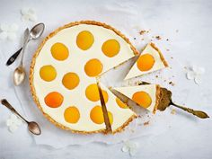 Gluteeniton rahkapiirakka   Valio Sugar, Cookies, Desserts, Food, Crack Crackers, Tailgate Desserts, Deserts, Biscuits, Essen