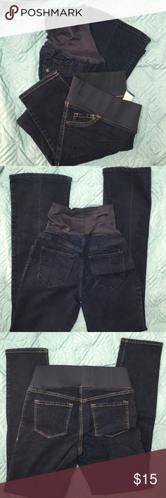 Lot of 2 Maternity Jeans 2 pair of Old Navy maternity jeans in excellent condition. Both dark wash. First pair are flare leg and full panel size 4. Other pair are skinny and low panel size 6. Old Navy Jeans Skinny