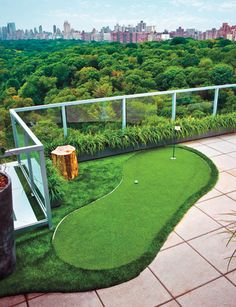 Eleven Rooms with a View - The Ultimate Bachelor Pad - Esquire North Home Putting Green, Backyard Putting Green, Lanai Design, Balcony Design, Balcony Ideas, Rooftop Terrace, Terrace Garden, Bungalow, Sweet Home