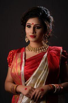 Women's Red and White Puff-sleeved Dress, beautiful, beautiful eyes HD wallpaper Beautiful Girl Photo, Beautiful Eyes, Beautiful Pictures, Beautiful Women, Beautiful Indian Actress, Beautiful Actresses, Red Sari, Indian Photoshoot, Marathi Bride