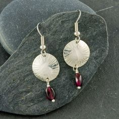 Chased dome sterling silver earrings with Garnet, red gemstone, shiny, handmade, gifts for her, everyday wear, unique, feminine, modern