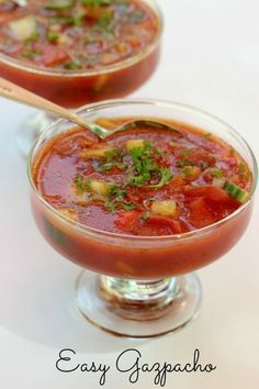 Easy Gazpacho: quick and easy cold soup perfect for an appetizer or light lunch!