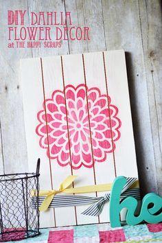 DIY Dahlia Flower Decor for Spring and Summer at www.thehappyscraps.com #decor #cricut #thehappyscraps