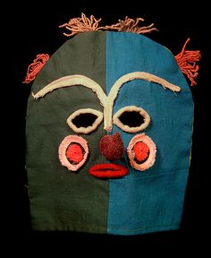 Peru Hood Mask (I have a Paper Mache mask that I bought in a village high in the Andes, I love it) Arte Tribal, Tribal Art, Paper Mache Mask, Paper Mask, Art Brut, Textiles, Masks Art, Inca, Totems