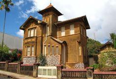 Um casarão... um castelinho... na Rua Celso Garcia - Batatais-SP-Brasil... passado ainda presente e lindo!