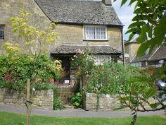 Manor Farm Cottages Sutton Mandeville Salisbury Wiltshire Pet