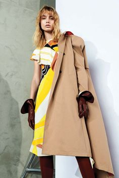 http://www.vogue.com/fashion-shows/pre-fall-2017/emilio-pucci/slideshow/collection