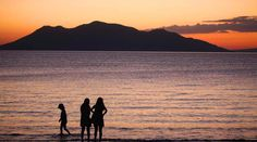 El puerto de Amapala, cabecera del municipio del mismo nombre, está ubicado en la Isla del Tigre. El municipio lo componen cerca de 30 islas ubicadas en el Golfo de Fonseca. Este golfo lo comparte Honduras con El Salvador hacia el occidente y con Nicaragua hacia el oriente.