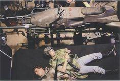 "Carrie Fisher and Mark Hamill behind the scenes of ""Jedi"". Star Wars Cast, Leia Star Wars, Star Wars Luke Skywalker, Star Wars Film, Princesa Leia, Star Wars Decor, Star Wars Love, Episode Iv, Best Love Stories"