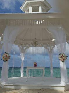 Current Beach Gazebo - Weddings Majestic Resorts Punta Cana - Picasa Web Albums