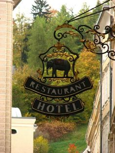 *Enseigne, Restaurant, Hotel, Salzburg*