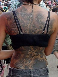 The Mandelbrot Fractal tattoo science tattoos kick ass! Physics Tattoos, Science Tattoos, 3 Tattoo, Back Tattoo, Psychedelic Tattoos, Mandelbrot Fractal, Math Patterns, Tattoo Inspiration, Body Painting