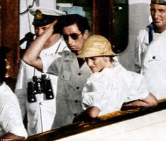 August 1981 - Charles and Diana on honeymoon Shorts and sweet: One memorable outfit by Japan's Kenzo Takada was caught while Diana was on Britannia, a pintucked, cotton, balloon-sleeved blouse with matching Bermuda shorts. Princess Diana Rare, Princess Diana Wedding, Prince And Princess, Princess Of Wales, Princesa Diana, Diana Wedding Dress, Prince Charles And Diana, Famous Pictures, Amor