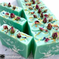 #bubblelove from @sensuallysoaps -  I'm looking so forward to spring! Out came the flowers #sensuallysoaps #soap #soapmaking #soapmaker #soaphare #artisansoap #spring #essentialoilsoap #wholesalesoap #handmadesoap #madeinsydney #madeincamden #cobbittymarkets #coldprocesssoap #makersgonnamake #madewithlove #soapgifts - #4theloveofbubbles