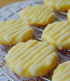 Looks yummy. Lemon Butter Cookies 1 cup & 2 tablespoons All-Purpose Flour cup Sugar 1 tablespoon Lemon Zest, finely grated 7 tablespoons Unsalted Butter, cut into cubes 1 Egg Yolk For the Glaze: 1 cup Powdered Sugar 3 tablespoons Lemon Juice, fresh Cookie Desserts, Cookie Recipes, Dessert Recipes, Drink Recipes, Dinner Recipes, Lemon Recipes, Sweet Recipes, Simple Recipes, Healthy Recipes