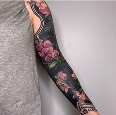 Full hand tattoos _ volle hand tattoos _ tatouages à la main _ t. - Full hand tattoos _ volle hand tattoos _ tatouages à la main _ tatuajes de mano com - Full Hand Tattoo, Side Hand Tattoos, Full Back Tattoos, Hand Tattoos For Women, Back Tattoo Women, Cover Up Tattoos, Tattoos For Guys, Arm Tattoo, Solid Black Tattoo