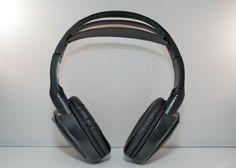 Chrysler Town & Country Wireless DVD Headphones (Black, 1 Headset) MusicFirstHQ http://www.amazon.com/dp/B007PL31OO/ref=cm_sw_r_pi_dp_95qYwb1VV7PBW
