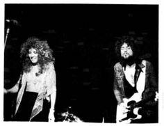 Buckingham-Nicks after Fritz Stevie Nicks Lindsey Buckingham, Buckingham Nicks, Rumours Album, Stephanie Lynn, Stevie Nicks Fleetwood Mac, 70s Music, Rock Legends, Hopeless Romantic, Great Bands