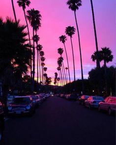 Puesta del sol púrpura   Santa Mónica California.