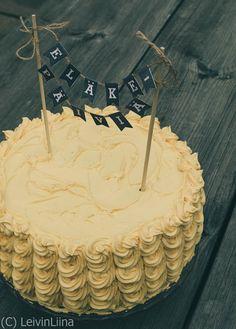 LeivinLiina: Kakku eläkkeelle jäävälle Birthday Cake, Desserts, Food, Tailgate Desserts, Birthday Cakes, Deserts, Essen, Dessert, Yemek