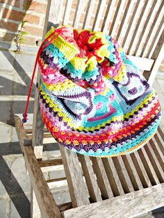 bright colored bag #crochetpatterns