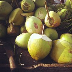 Skykishrain - Bali to do list: Fresh coconut water every day Pure Coconut Water, Water Aesthetic, Delicious Fruit, Salad Bar, Detox Recipes, Love Food, The Dreamers, Healthy Lifestyle, Cool Photos