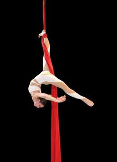 I have always wanted to take an aerial silk class! I hear there's one in Vermont.....:D