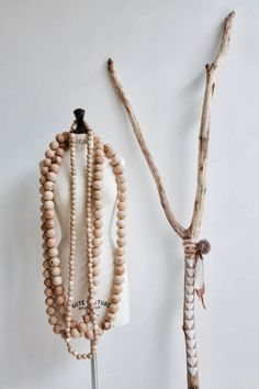 Atelier Sukha Wooden Beads - Styling & Co. Boho Home, Bohemian Homes, Bohemian Interior, Autumn Cozy, Painted Sticks, Idee Diy, Textiles, Beaded Garland, Estilo Boho