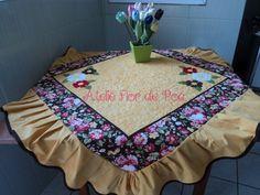 Toalha de mesa floral Ateliê Flor de poá