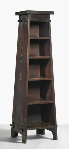 The Roycrofters, magazine pedestal, model no. Mission Furniture, Diy Home Furniture, Arts And Crafts Furniture, Diy Arts And Crafts, Furniture Making, Wood Furniture, Antique Furniture, Home Crafts, Furniture Projects