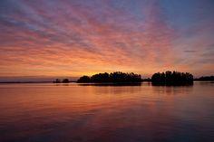 File:Sunrise, Rainy Lake.jpg