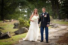 West Point has so much natural beauty that's perfect for wedding photos!  Photography by Small Moments Studios