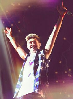 I cant belive he is turning 21 today! Our little nialler has grown up so much! I love him so much it hurts! #HappyBirthdayNiall