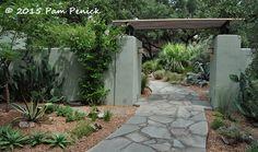 entrance to Linda Peterson garden in San Antonio, TX.