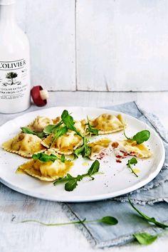 Ravioli met geitenkaas en zongedroogde tomaatjes uit Pasta, risotto & gnocchi - Magazine De Smaak van Italië