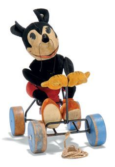 "Steiff ""MIckey Mouse"" on Wheels, Pull Toy. Vintage Mickey Mouse, Mickey Mouse And Friends, Mickey Minnie Mouse, Disney Mickey, Punk Disney, Disney Fun, Retro Toys, Vintage Toys, Disney Princess Facts"