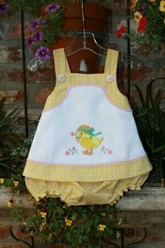 46 Trendy Embroidery Baby Clothes Little Girls Little Dresses, Little Girl Dresses, Girls Dresses, Fashion Design For Kids, Kids Fashion, Baby Dress Patterns, Baby Sewing Projects, Baby Girl Fashion, Doll Clothes