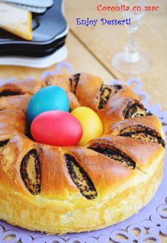 Coronita cu mac Hot Dog Buns, Hot Dogs, Love Cake, Bread, Desserts, Cakes, Food, Tailgate Desserts, Deserts