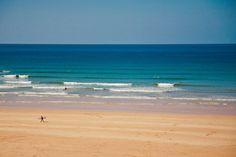 Mawgan Porth beach on a glorious sunny spring day